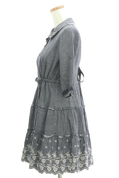 axes femme(アクシーズファム)の古着「刺繍デニム風フレアワンピース(ワンピース・チュニック)」大画像3へ