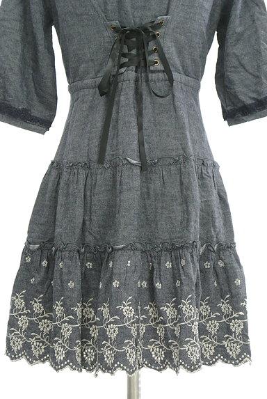 axes femme(アクシーズファム)の古着「刺繍デニム風フレアワンピース(ワンピース・チュニック)」大画像5へ