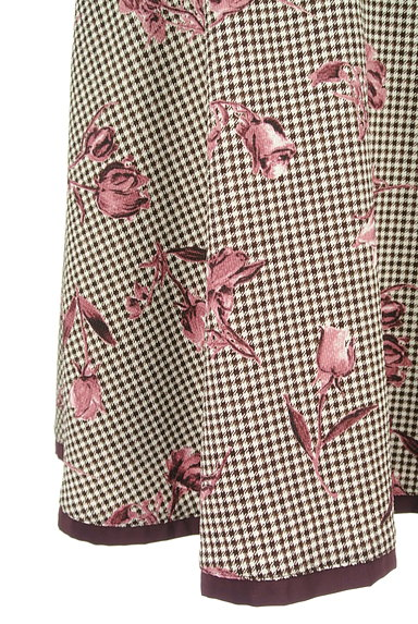 MISCH MASCH(ミッシュマッシュ)の古着「チェック×花柄膝下丈フレアスカート(スカート)」大画像5へ