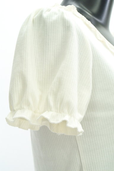 axes femme(アクシーズファム)の古着「フリルレースパフスリーブカットソー(カットソー・プルオーバー)」大画像5へ