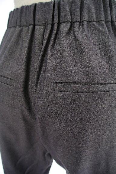 BLACK BY MOUSSY(ブラックバイマウジー)の古着「タックテーパードパンツ(パンツ)」大画像5へ