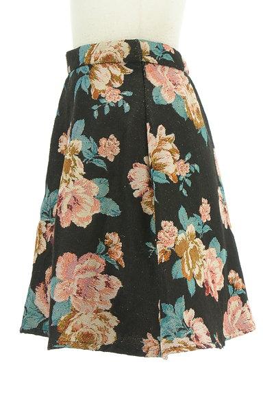 rienda(リエンダ)の古着「花柄ジャガード膝上丈フレアスカート(ミニスカート)」大画像3へ