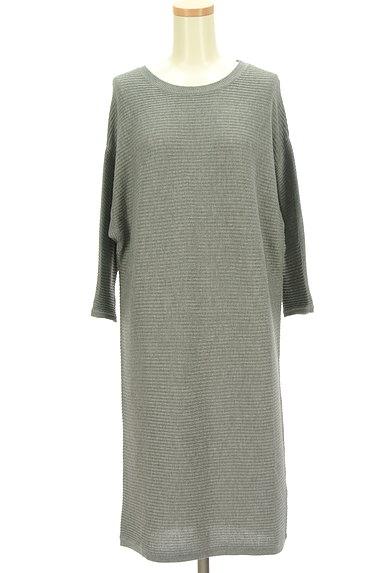 AZUL by moussy(アズールバイマウジー)の古着「8分袖ドルマンロングワンピース(ワンピース・チュニック)」大画像1へ