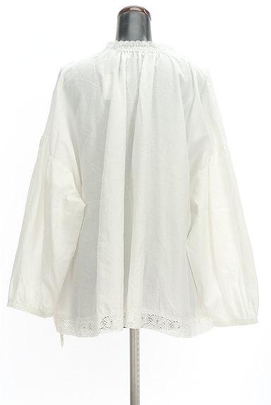 SM2(サマンサモスモス)の古着「ボリューム袖スキッパーカラーカットソー(ブラウス)」大画像2へ