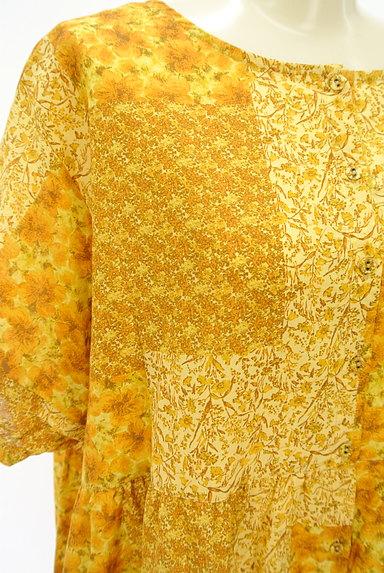 SM2(サマンサモスモス)の古着「パッチワーク風小花柄ワンピース(ワンピース・チュニック)」大画像4へ