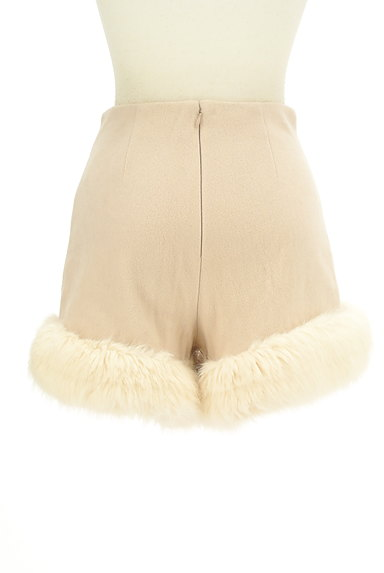 Lily Brown(リリーブラウン)の古着「裾ファーハイウエストショートパンツ(ショートパンツ・ハーフパンツ)」大画像2へ