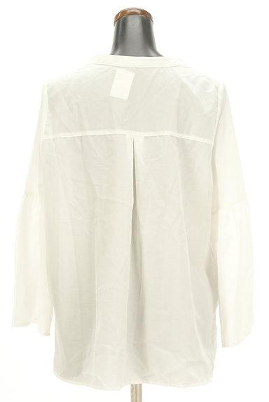 SM2(サマンサモスモス)の古着「涼しげなベルスリーブ白ブラウス(ブラウス)」大画像2へ
