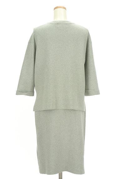 ivory court(アイボリーコート)の古着「簡単大人ニットのセットアップ(セットアップ(ジャケット+スカート))」大画像2へ