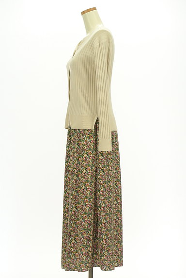 INDIVI(インディヴィ)の古着「カーデと小花スカートのセットアップ(セットアップ(ジャケット+スカート))」大画像3へ