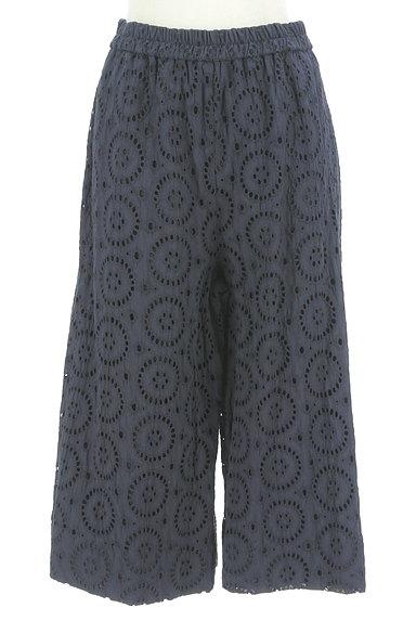 KATHARINE ROSS(キャサリンロス)の古着「カットワーク刺繍のセミワイドパンツ(パンツ)」大画像1へ