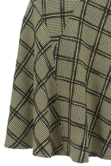 JUSGLITTY(ジャスグリッティー)の古着「チェック柄膝上丈起毛フレアスカート(スカート)」大画像5へ