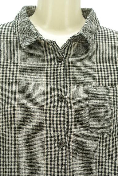 SM2(サマンサモスモス)の古着「コットンリネンチェックシャツ(カジュアルシャツ)」大画像4へ