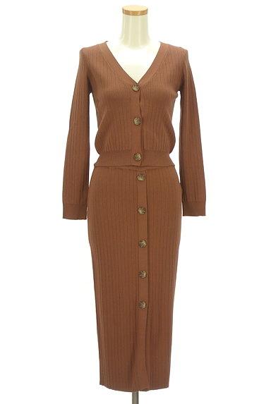 MURUA(ムルーア)の古着「フロントボタンリブセットアップ(セットアップ(ジャケット+スカート))」大画像1へ