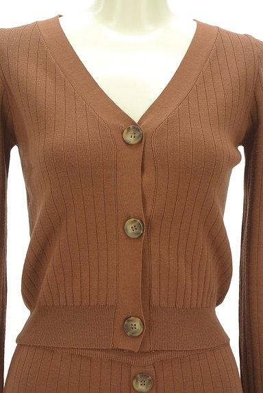 MURUA(ムルーア)の古着「フロントボタンリブセットアップ(セットアップ(ジャケット+スカート))」大画像4へ