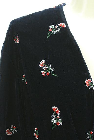 MOUSSY(マウジー)の古着「刺繍ベロアガウンジャケット(ジャケット)」大画像4へ