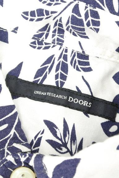 URBAN RESEARCH DOORS(アーバンリサーチドアーズ)の古着「ボタニカル柄シャツ(カジュアルシャツ)」大画像6へ
