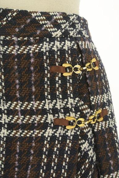 MISCH MASCH(ミッシュマッシュ)の古着「ビット付きチェック柄ラップ風ミニスカート(ショートパンツ・ハーフパンツ)」大画像4へ